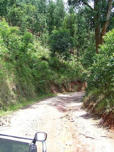 9_road_to_banda_village_kageno